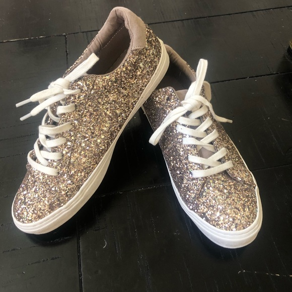 Old Navy Shoes | Sz 6 Gold Glitter